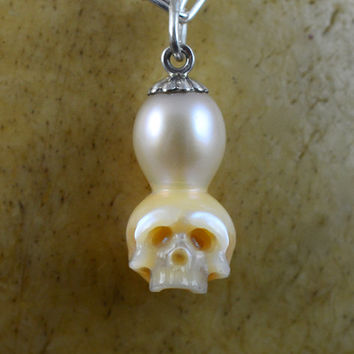 READY TO SHIP - Hand Carved Baroque Skull Pearl Necklace - Skull Jewelry - Skull Pendant - Halloween Jewelry - Unique Gift - Pearl Necklace