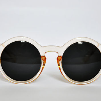 The PEACHY sunglasses