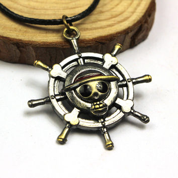 2016 Vintage Anime ONE PIECE MONKEY D LUFFY Skull Pendant Necklace Pirate Flag Metal Necklace cosplay Anime Gift