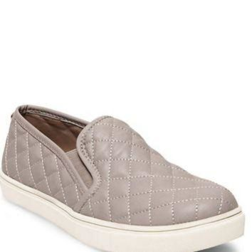 ONETOW Steve Madden Ecentrcq Slip On Sneakers- Grey