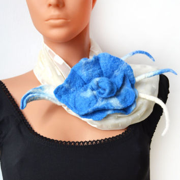 Brooch, big felted flower, Wool, Accessories, Felt Jewelry, floral, Handmade, unique brooch, gift for her, blue & white, spring trends