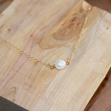 Single Pearl Necklace, Delicate Pearl Necklace, Bridesmaid Gift, Dainty Pearl Necklace, Delicate Gold Necklace, gold or silver, Wedding Gift