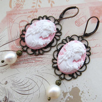 Cameo earrings with freshwater white pearls and filigrees, vintage style jewelry, victorian inspired jewels Made in Italy Sofia's Bijoux