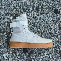 HCXX NIKE - Women - W SF Air Force 1 - Light Bone