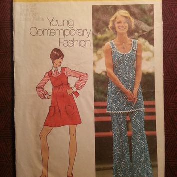 Uncut 1970's Simplicity Sewing Pattern, 5520! Size 7 Juniors/Misses/Bust 32/Small-Medium/Petites/Mini-Jumper Dress/Tunic Tops/Bell Bottoms