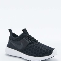 Nike Juvenate Trainers in Black - Urban Outfitters