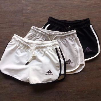 adidas woman sports leisure running shorts-1