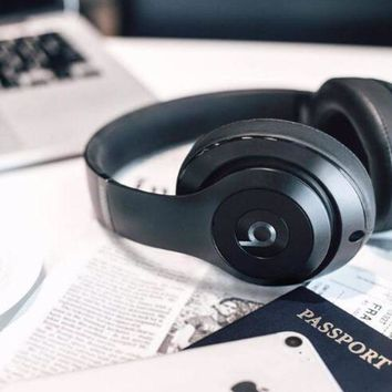 Fashion Beats Solo 3 Wireless Magic Sound Bluetooth Wireless Hands Headset MP3 Music Headphone With Microphone Line-in Socket TF Card Slot Black I