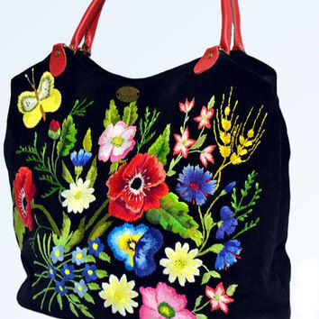 "Bag ladies embroidered with ""Sunny Mood"""