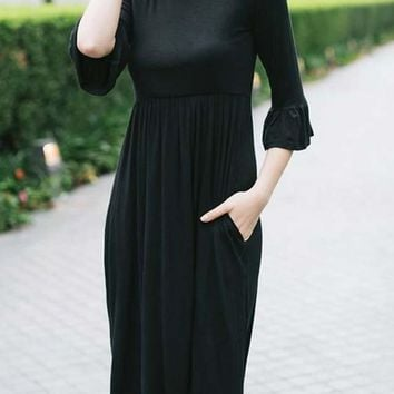 Black Draped Round Neck 3/4 Sleeve Fashion Midi Dress