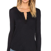 Feel the Piece Chic Long Sleeve Tee in Black