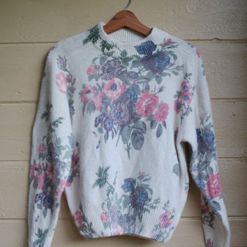 Vintage 1980s Floral Print Sweater Silk Angora Pull Over Slouchy Sweater Size Medium by de rotchild