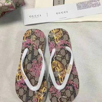shosouvenir : GUCCI Fashion casual men and women flip flops