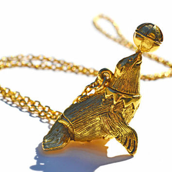 Vintage 1970s Long Gold Max Factor Circus Seal Locket Pendant Necklace with solid perfume Chunky