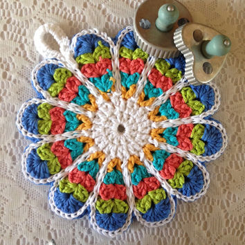 Vintage Style Flower Potholder //  Double-sided Potholder Crocheted from Vintage Pattern - Super Thick // Gift for Her
