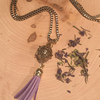 Lavender diffuser necklace, dried flower necklace, lavendar necklace, gold locket, scented jewelry, aromatherapy, gypsy jewelry, bohemian