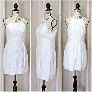White lace dress / 90s  designer / Sue Wong / summer dress / sundress / embroidered / cotton / size 6 / 7