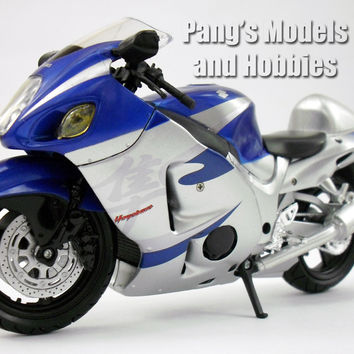 Suzuki GSX-1300R Hayabusa 1/12 Scale Model by NewRay