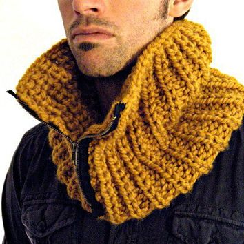 Chunky Man Cowl in Butterscotch