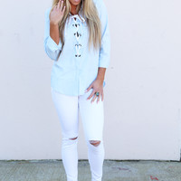 Distressed Summer Skinnies {White}