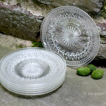 Qty 7 Pressed Glass Lunch Plates. Vintage. Clear Sandwich Glass. Serving. Dining. Home Decor. Mid Century. Retro. Holidays. Star. Depression
