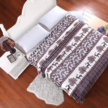 Deer and woods pattern Method of coral fleece blankets keep warm bed sheets towels the throws