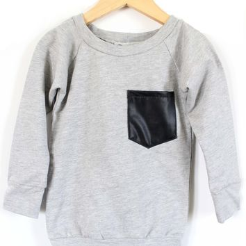 THE POCKET SWEATSHIRT - GRAY AND LEATHER