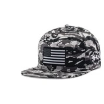 Under Armour Men's UA Freedom Camo Flag Cap