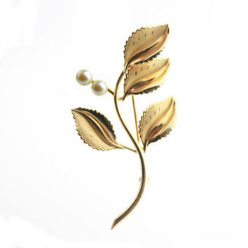 1/20 12k Gold Faux Pearl Leaf Brooch