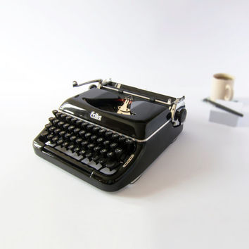 1950s Erika Model 10 Working Typewriter in Very Good Condition, Recently Serviced