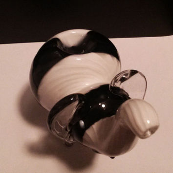Adorable Black and White Glass Elephant Pipe