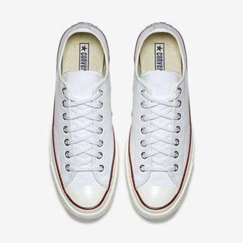 CREYUG7 The Converse Chuck Taylor All Star '70 Low Top Unisex Shoe.