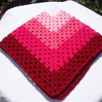 Hand crochet baby girl's blanket granny square - pink colours