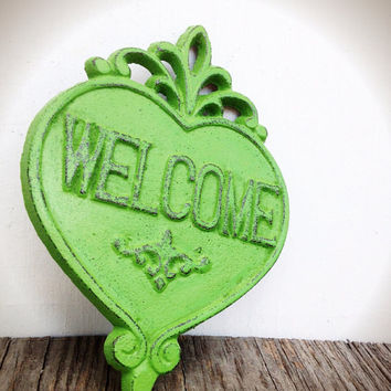Ornate Heart Welcome Sign Wall Art - Tropical Leafy Green - Shabby Chic Outdoor Decor