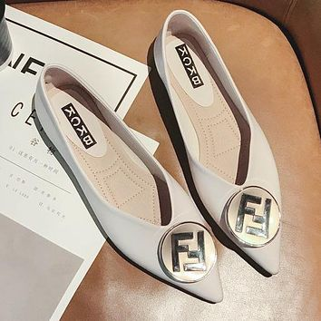 FENDI Newest Popular Women Stylish F Letter Metal Buckle Pointed Flat Single Shoes Beige White