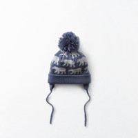 Bear motif knit hat