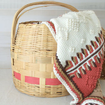 Large Decorative Wicker Storage Basket with Lid, Vintage Gathering Basket with Handle, Woven Mexican Basket