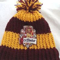 Harry Potter Gryffindor hat with House Crest