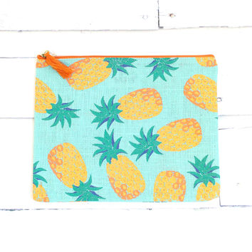 Fruit Jute Carry-All Case {Pineapple}