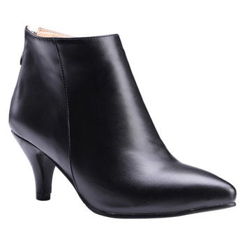 Ankle Boots With Kitten Heel and Zipper Design