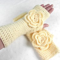 Lovely Crochet Rose Cream Yellow Fingerless Gloves