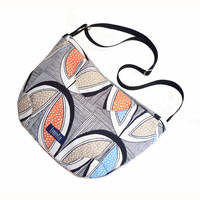 Tribal striped pattern purse