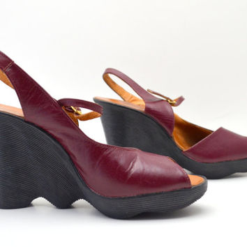 Vintage Famolare Wedge Sandals, Burgundy Leather Wavy Platform Sandals, Made in Italy, Size 9N, Boho 1970s Shoes