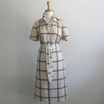 Vintage 70s Dress / shirt dress / shirtwaist / cream dress / plaid / shift dress / sheath / back to school / career / fall / med