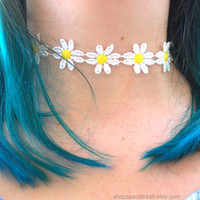 Daisy Choker / 90s Inspired Jewelry