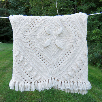 Vintage off-white eggshell crochet afghan blanket throw with diamond pattern 86 x 55 in