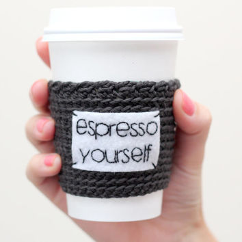 Coffee cozy/sleeve Espresso Yourself, crochet and hand embroidery