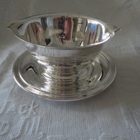 Vintage Silver Plate Double Spout Gravy Sauce Boat Bowl With Attached Under Plate Concord International Silver Company 6413