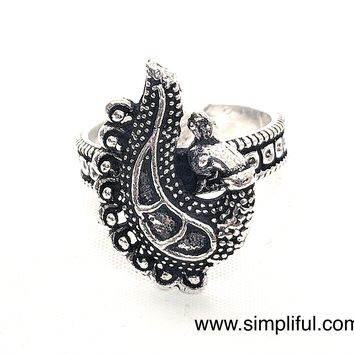 Oxidized Dancing Peacock face Adjustable Finger ring