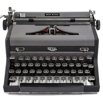 1949 Royal Quiet De Luxe Typewriter with Original Case & Vintage Metal Ribbon Spools